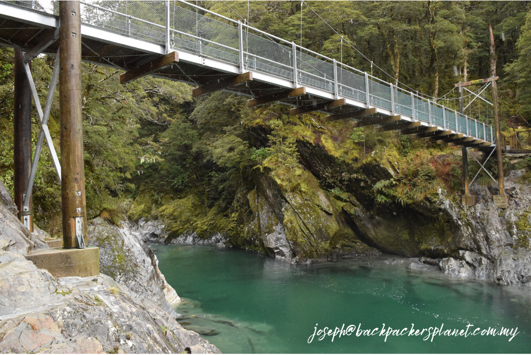 Immerse yourself in this photogenic beauty and the glacial water gathered from the mountains.